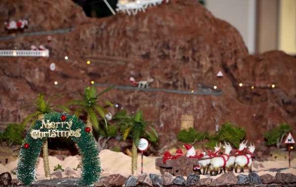 Hilton Ras al Khaimah Resort & Spa F&B Team Create 130kg Chocolate Mountain