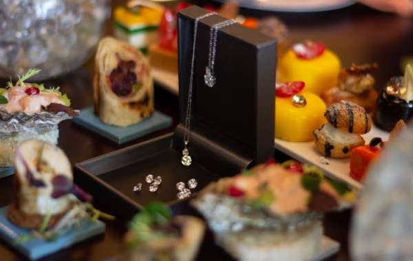 Shangri-la Hotel, Qaryat Al Beri, Abu Dhabi Treats the Ladies to Jewellery on Valentine's Day