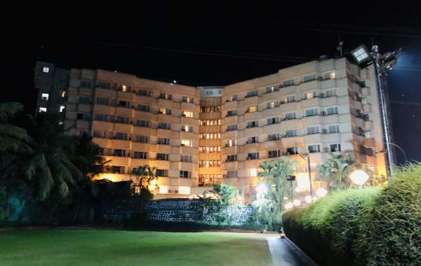 Located in suburbs of Mumbai's business district, Ramada Hotel provides a resort kind of experience.
