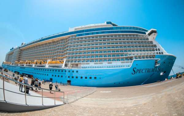 """Dubai Welcomes High-Tech Cruise Ship """"Spectrum of the Seas"""" as it Makes its Maiden Voyage into Arabian Gulf"""