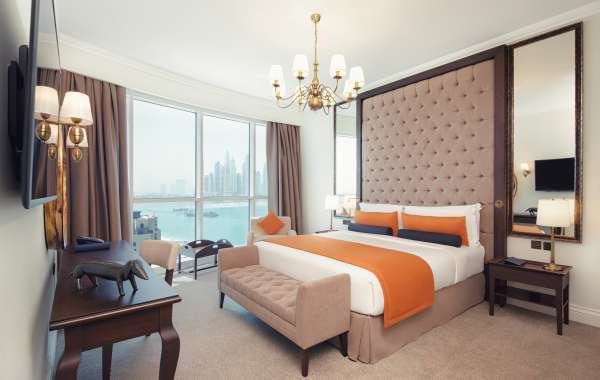 Dukes The Palm, a Royal Hideaway Hotel Introduces UAE Staycation Offer