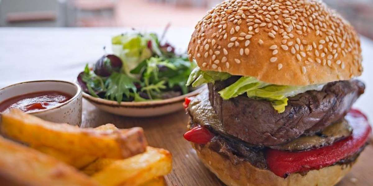 Enjoy the National Burger Day at Wavebreaker Beach and Grill Restaurant