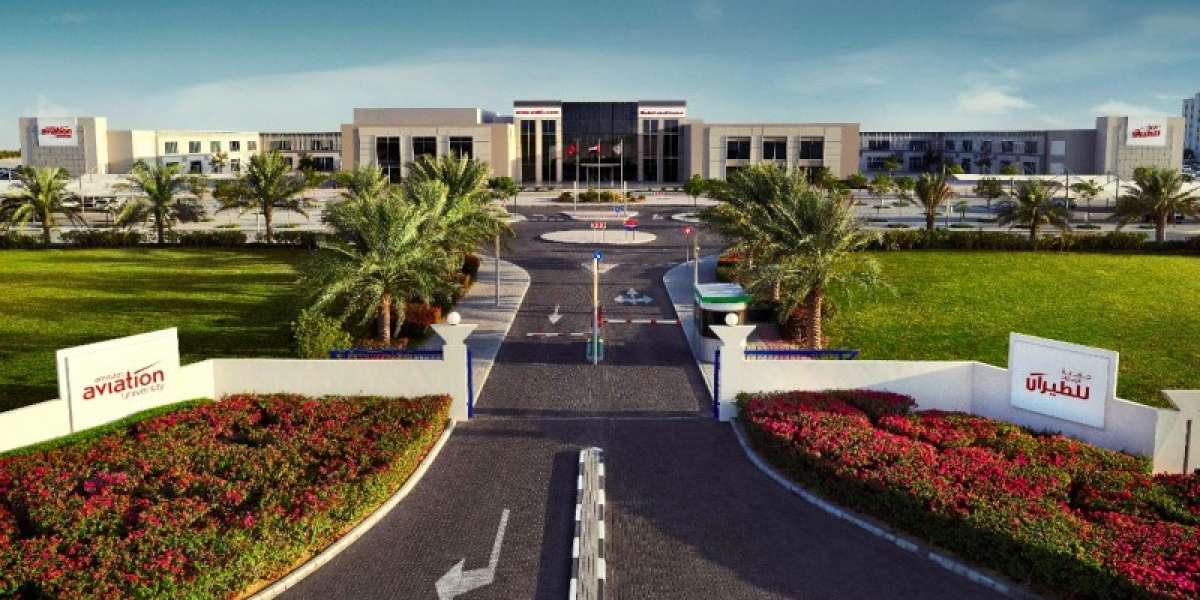 Emirates Aviation University Offers Special Scholarship for Healthcare Workers and their Family Members