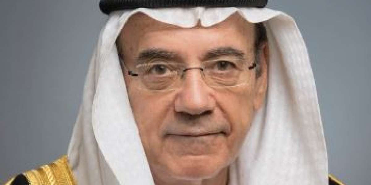 Dubai Business Associate Programme receives online cultural diplomacy masterclass from H.E. Zaki Nusseibeh