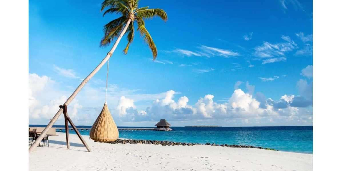 Plan a Perfect Escape to the Maldives with Emirates Holidays