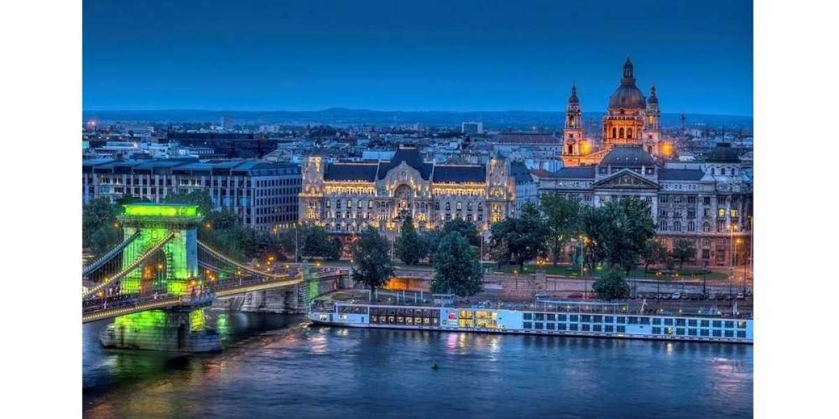 IHG® Debuts Crowne Plaza® Brand in Hungary's Capital City