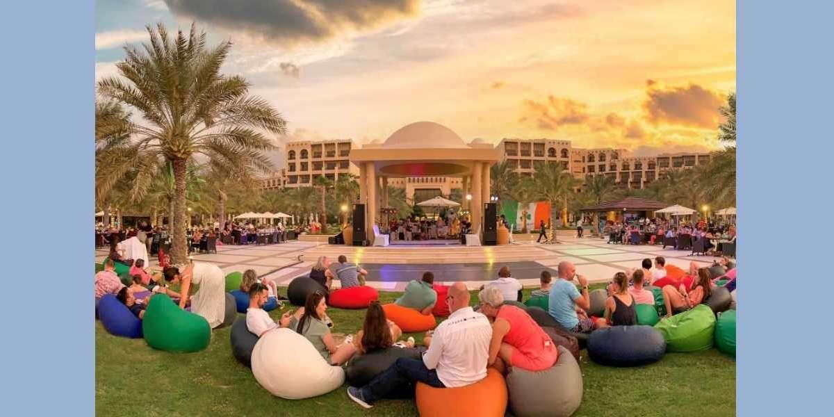 Tra-la-la-la the Night Away at Trad on the Tra, Hilton Ras Al Khaimah Beach Resort