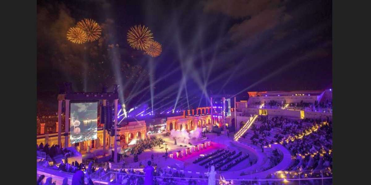 Khorfakkan Opens a New Chapter of Art and Entertainment to the Tunes of Hussain Al Jassmi and Angham